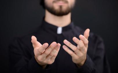80 proc. Polaków chce finansowej odpowiedzialności Kościoła za pedofilię księży