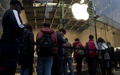 Apple nareszcie wchodzi do Dow Jonesa