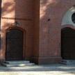 Drzwi tego kościoła garnizonowego w Poznaniu obrzuciła jajkami Zofia N. Sąd uznał ją za winną zniewa