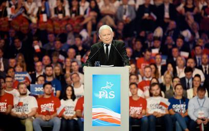 Za wyborem Jarosława Kaczyńskiego na prezesa PiS w 2016 r. głosowało 1008 delegatów. Tylko siedmiu b