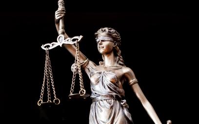 Wymiar sprawiedliwości coraz bardziej niewydolny