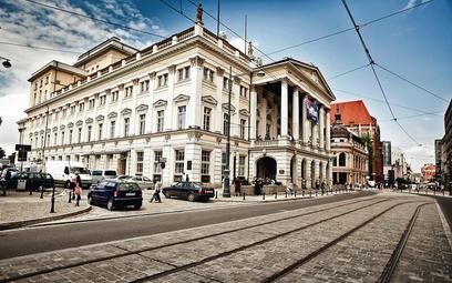 Gmach przy ul. Świdnickiej to najstarszy, oryginalny budynek operowy w Polsce