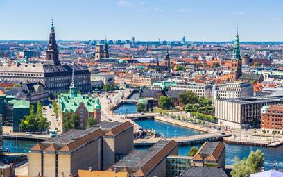"""Koronawirus. Dania powoli wycofuje się z """"przepustek covidowych"""""""
