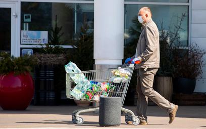 Polacy rezygnują z plastiku na zakupach