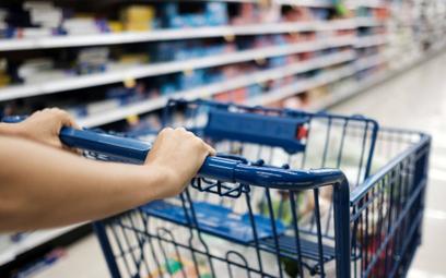 Lepsze nastroje konsumentów. Wyższe płace ważniejsze niż ceny
