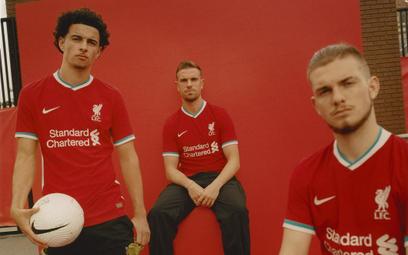 Nowe koszulki FC Liverpool wykonano z butelek PET