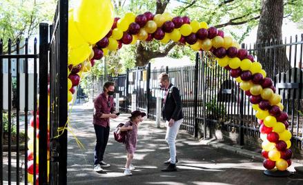 Dzieci w Sydney wracają do szkół