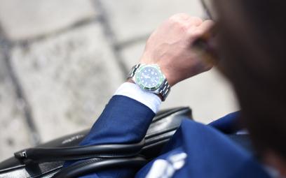 Czas na zmianę: etyczna produkcja zegarków to konieczność