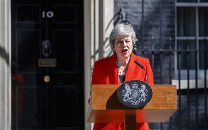 Pospieszny koniec premier May
