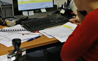 Jak liczyć staż pracy gminnego sekretarza