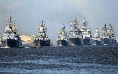 Pokaz morskiej siły Kremla w Sankt Petersburgu