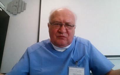 Prof. Simon: Mniej robionych testów to mniej wykrywanych zakażeń