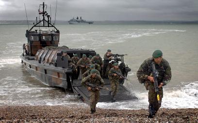 Siły Zbrojne Wielkiej Brytanii czekają kolejne redukcje – zostaną nimi objęte zwłaszcza jednostki Ro