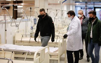 Sondaż: Jak Polacy oceniają walkę rządu z epidemią koronawirusa w Polsce?