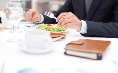 Obiad na koszt firmy a podatek