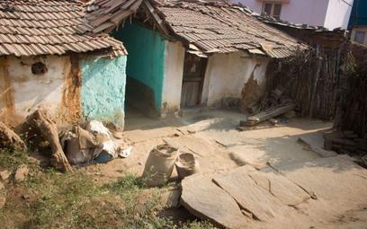 Indie: Sześć morderstw z powodu plotki