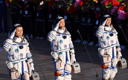 Chińscy astronauci wrócili na Ziemię po 90-dniowej misji
