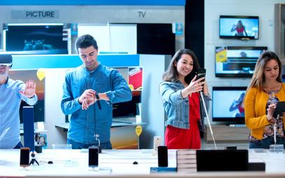 Polacy rzucili się na elektronikę w e-sklepach. Hit jest jeden