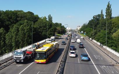 Trasa Łazienkowska nie była remontowana od 50 lat. Ruszył przetarg