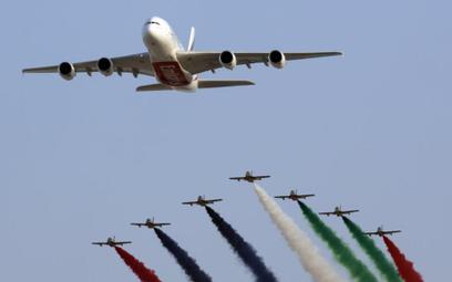 Czy Emirates, Etihad i Qatar Airways korzystają z subsydiów swoich rządów i nieuczciwie konkurują na