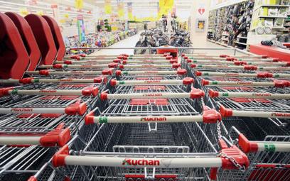 Koronawirus: Premie dla pracowników za tłok w sklepach