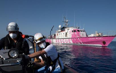 Banksy tłumaczy, dlaczego kupił łódź ratunkową, operującą na Morzu Śródziemnym