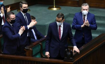 Po głosowaniach w Sejmie (na zdjęciu Mateusz Morawiecki w ławach rządowych) wyzwaniem dla opozycji b
