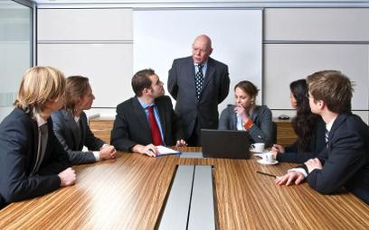 Pracownicy uważają, że firmy muszą angażować się społecznie