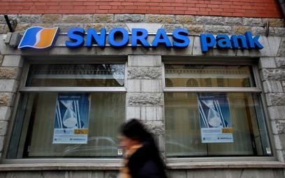 Pada bank na Łotwie