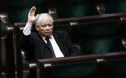 Maciej Gutowski, Piotr Kardas: Albo legalne są wybory, albo ograniczenia naszych wolności