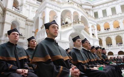 Umowy studentów z uczelniami