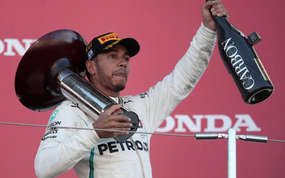 ?Lewis Hamilton wygrał Grand Prix Japonii i już może wkładać szampana do lodówki