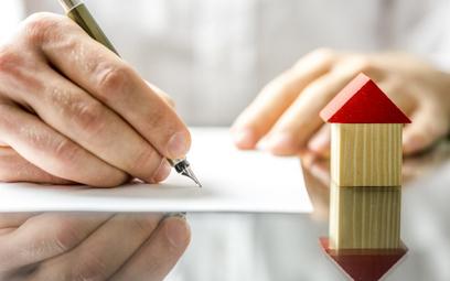 Polacy wciąż mogą zaciągać duże kredyty mieszkaniowe