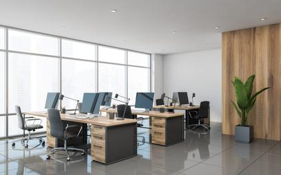 Kiedy pracownicy wrócą do biur? Wkrótce, ale…