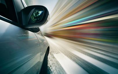 Otwarcie drzwi auta podczas postoju na parkingu to ruch pojazdu - orzecznictwo TSUE