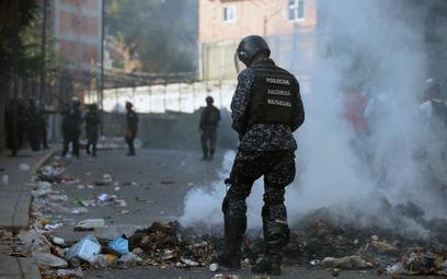 Władze Wenezueli: Stłumiliśmy bunt w armii