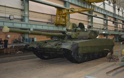 """Pierwszy """"zukrainizowany"""" czołg T-84 Opłot"""