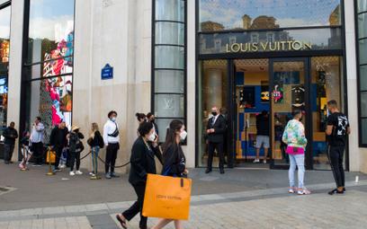 Pokaz Louis Vuitton zakłócony przez aktywistki klimatyczne
