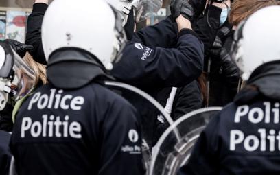 Belgia: Atak nożownika w Brukseli. Są ranni