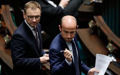 Ireneusz Krzemiński: Topór na opozycję
