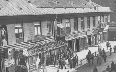 Ulica Miodowa tuż po wybuchu bomby, czyli dzień jak co dzień, Warszawa, 19 maja 1905 roku