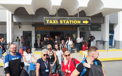 Więcej pasażerów na greckich lotniskach