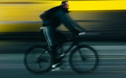 Francja zapłaci mieszkańcom za zmianę starego auta na rower