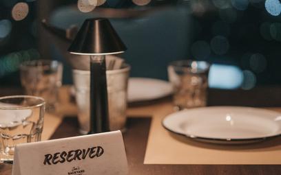 Wraz z otwarciem restauracji wróciła zmora restauratorów