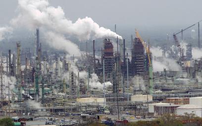 Firmy paliwowe chcą, byś czuł się winny zmian klimatycznych