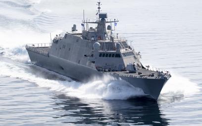 Okręt wielozadaniowy USS Indianapolis podczas prób odbiorczych. Fot./Lockheed Martin.