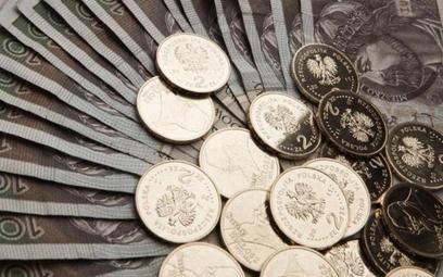 Od początku spłaty, mniej zapłacili ci, którzy wybrali kredyt frankowy niż złotowy