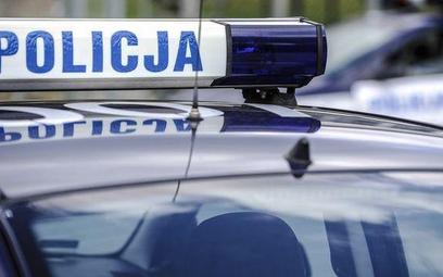 Wypadek pod Grójcem. BMW uderzyło w drzewo. Cztery ofiary