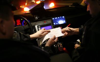 Zmiany w prawie drogowym: przyjmiesz mandat, punkty karne skasują się szybciej
