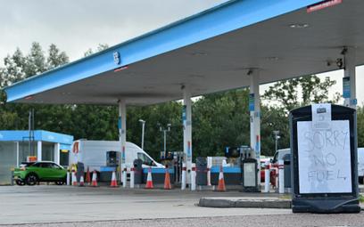 Brexit paraliżuje stacje paliw. I cały kraj